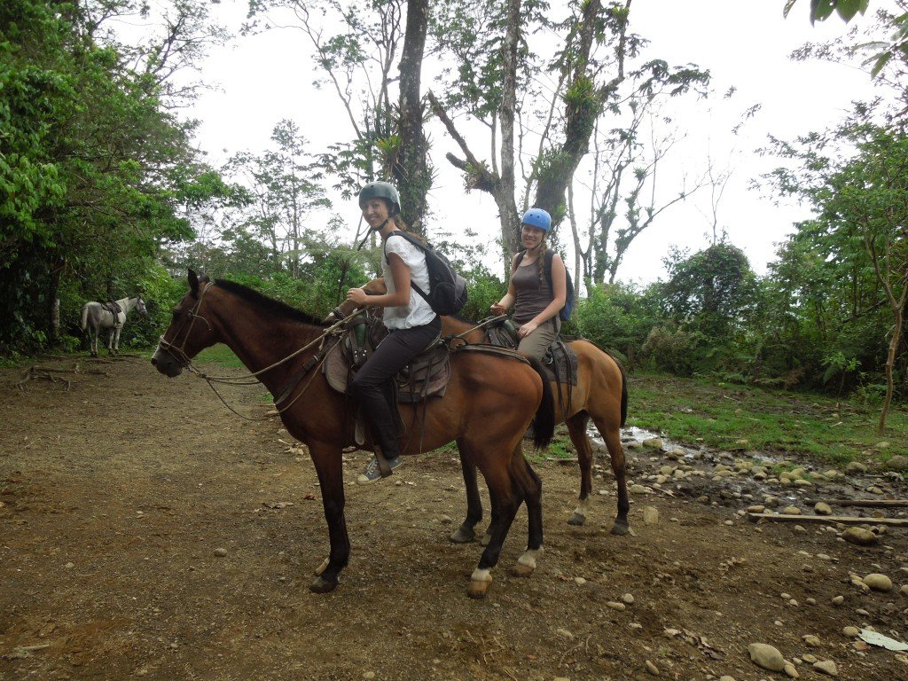 Horse riding in La Fortuna